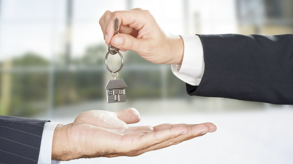 Sales Of Private Homes Inches Up In April