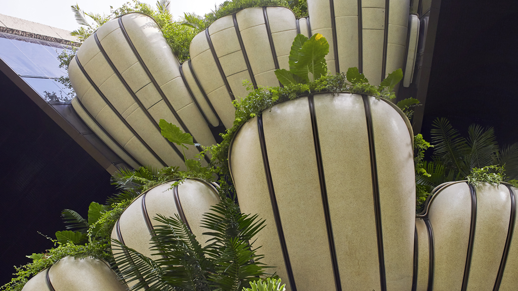 Luxury Goes Green: Incorporating Eco Features In Real Estate