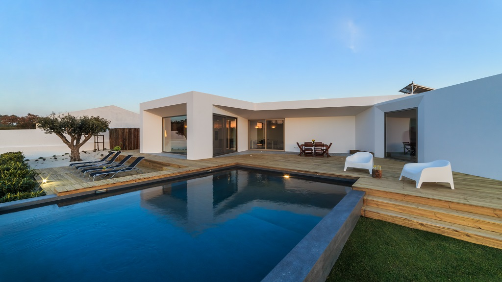 Ultra-Rich Eyed Luxury Homes Amidst Pandemic